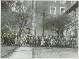 Toutes les élèves de l'école 1921